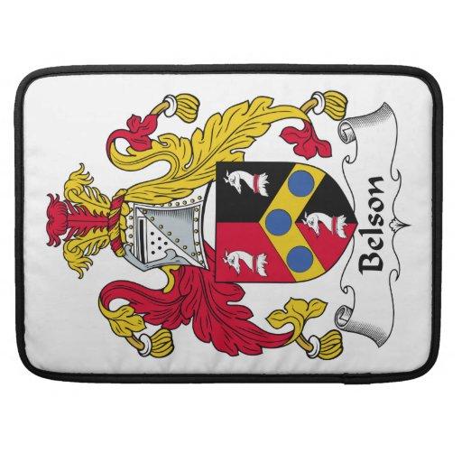 Escudo de la familia de Belson Funda Para Macbooks