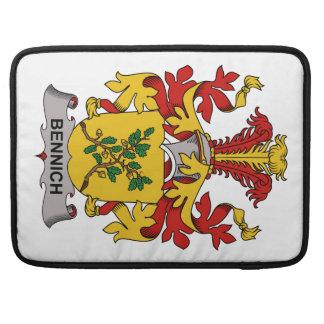 Escudo de la familia de Bennich Fundas Para Macbooks