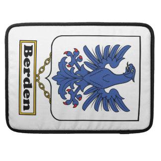 Escudo de la familia de Berden Fundas Para Macbook Pro
