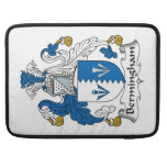 Escudo de la familia de Bermingham Funda Macbook Pro
