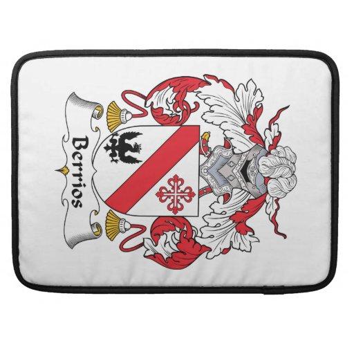 Escudo de la familia de Berrios Funda Para Macbooks