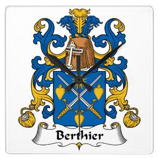 Escudo de la familia de Berthier Reloj De Pared