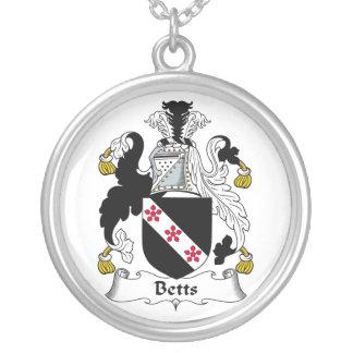 Escudo de la familia de Betts Grímpola