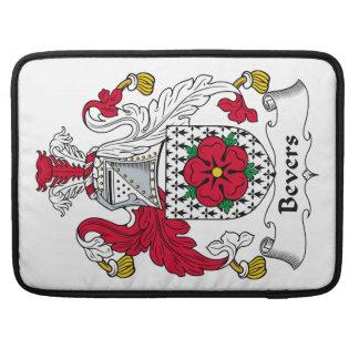 Escudo de la familia de Bevers Funda Macbook Pro