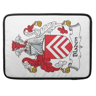 Escudo de la familia de Bladen Fundas Para Macbook Pro