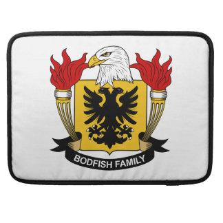 Escudo de la familia de Bodfish Funda Para Macbook Pro