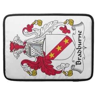 Escudo de la familia de Bradburne Fundas Macbook Pro