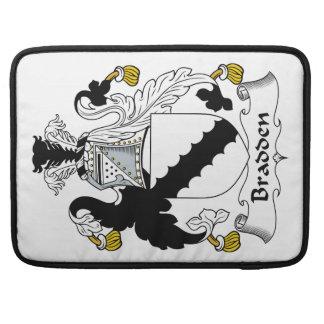 Escudo de la familia de Bradden Funda Macbook Pro
