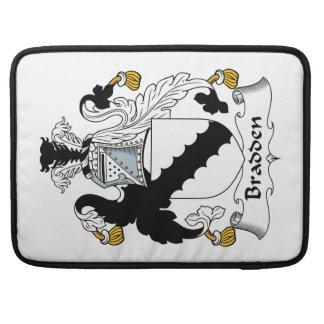 Escudo de la familia de Bradden Funda Para Macbooks