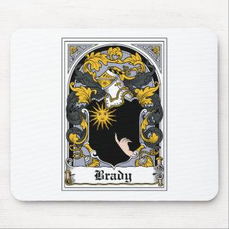 Escudo de la familia de Brady Alfombrillas De Ratones