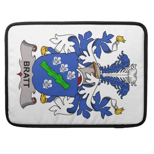 Escudo de la familia de Bratt Fundas Para Macbook Pro