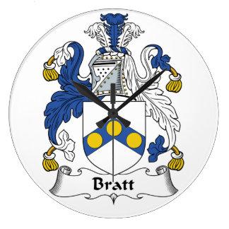 Escudo de la familia de Bratt Reloj De Pared