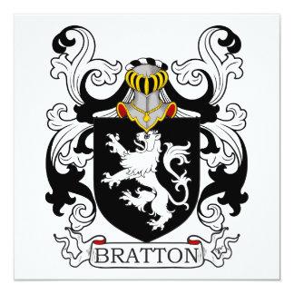 """Escudo de la familia de Bratton Invitación 5.25"""" X 5.25"""""""