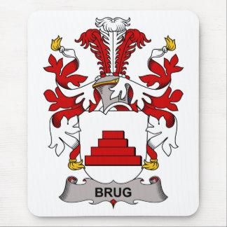 Escudo de la familia de Brug Alfombrillas De Ratón