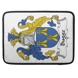 Escudo de la familia de Bugge Funda Para Macbooks