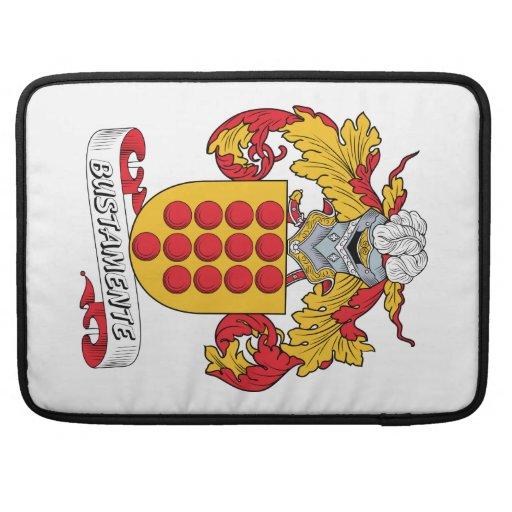Escudo de la familia de Bustamente Funda Macbook Pro