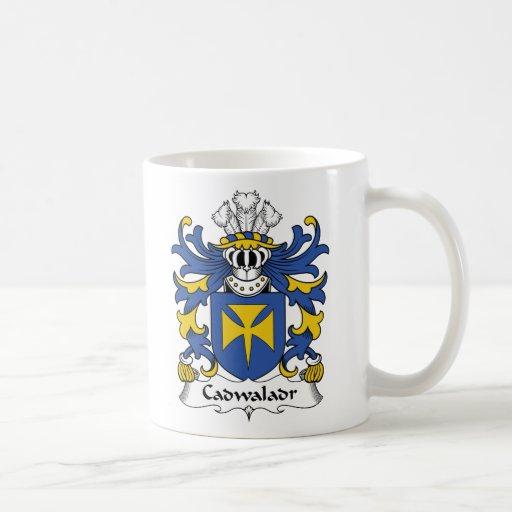 Escudo de la familia de Cadwaladr Taza Básica Blanca