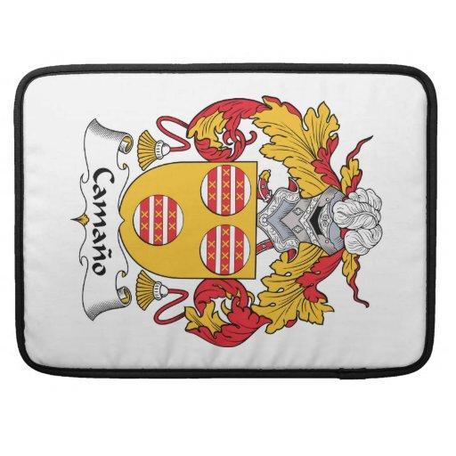 Escudo de la familia de Camano Fundas Para Macbooks