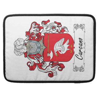 Escudo de la familia de Carcano Funda Para Macbooks