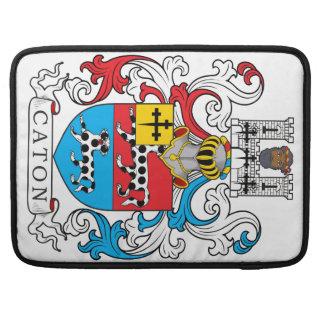 Escudo de la familia de Caton Funda Para Macbooks