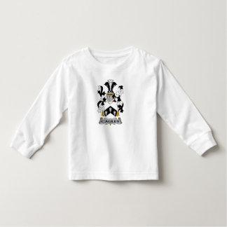 Escudo de la familia de Cauley T-shirts