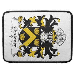 Escudo de la familia de Chaloner Fundas Para Macbook Pro