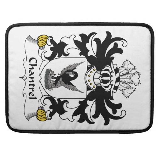 Escudo de la familia de Chantrel Fundas Para Macbooks