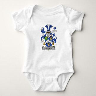 Escudo de la familia de Chinnery T Shirts