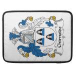 Escudo de la familia de Chirnside Fundas Para Macbooks