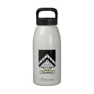 Escudo de la familia de Cleveland Botella De Agua Reutilizable