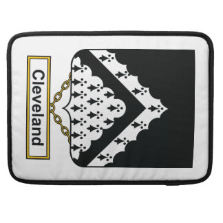 Escudo de la familia de Cleveland Fundas Macbook Pro