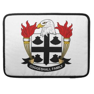Escudo de la familia de Coggeshall Fundas Para Macbooks