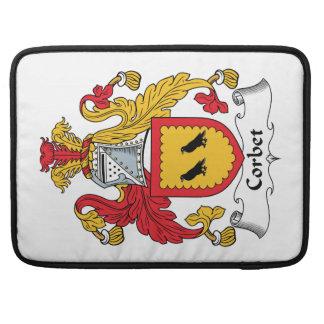 Escudo de la familia de Corbet Funda Para Macbook Pro