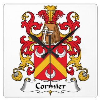 Escudo de la familia de Cormier Relojes De Pared