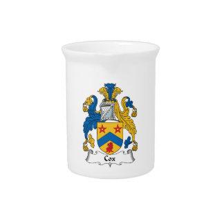 Escudo de la familia de cox jarras de beber