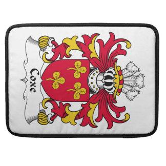 Escudo de la familia de Coxe Funda Para Macbooks