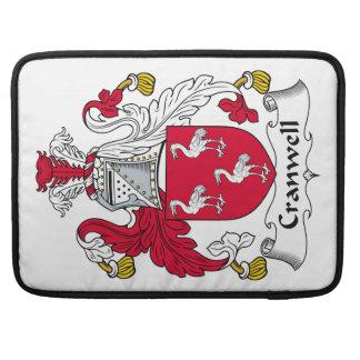 Escudo de la familia de Cranwell Fundas Para Macbooks