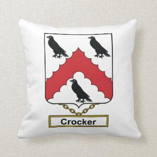 Escudo de la familia de Crocker Cojin