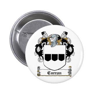 Escudo de la familia de Curran Pin Redondo De 2 Pulgadas