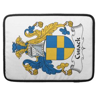 Escudo de la familia de Cusack Fundas Para Macbooks