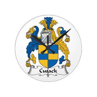 Escudo de la familia de Cusack Reloj De Pared