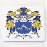Escudo de la familia de Dabrowa Alfombrillas De Ratón