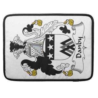 Escudo de la familia de Danby Funda Para Macbook Pro