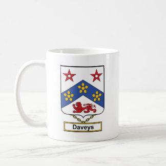 Escudo de la familia de Daveys Taza Clásica