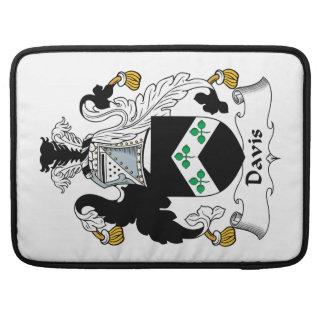 Escudo de la familia de Davis Fundas Para Macbook Pro
