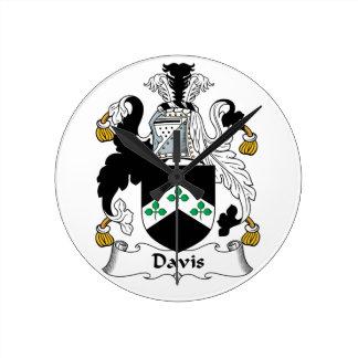 Escudo de la familia de Davis Reloj Redondo Mediano