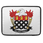 Escudo de la familia de Delano Fundas Para Macbooks