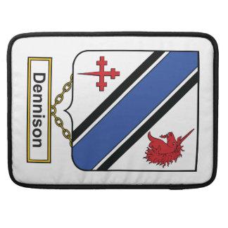 Escudo de la familia de Dennison Fundas Para Macbook Pro