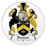 Escudo de la familia de Denver Relojes De Pared