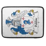 Escudo de la familia de Dobbie Fundas Macbook Pro